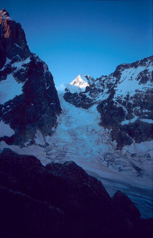 Ушбинский ледопад Uszbijski Lodospad ushba icefall