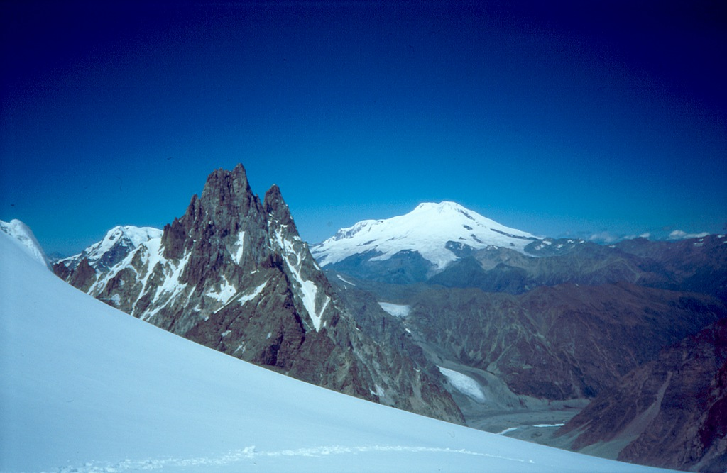 Elbrus (Эльбрус) i Szhelda (Шхельда)