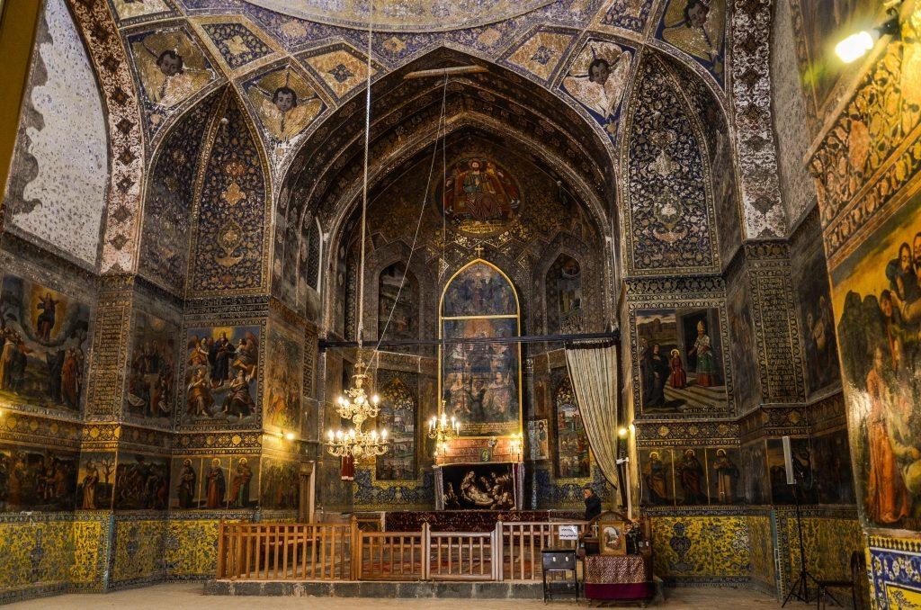 Za rzeką Zajanderud znajduje się dzielnica ormiańska Nowa Dżolfa (Jolfa)