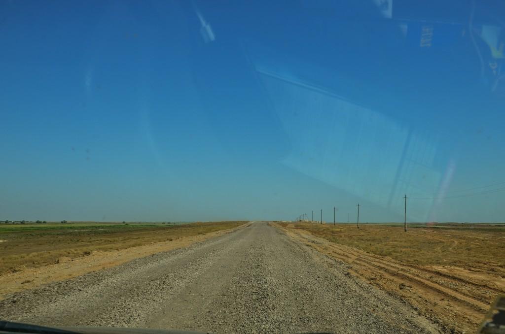 Szutrowa droga do Atyrau Kazachstan