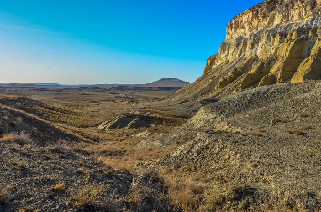 Mongołowie rzeczywiście podbili te ziemie w XIII w niszcząc znajdującą się niedaleko od Szerkali osadę Kyzyl- Kala. Osada ta została prawdopodobnie założona przez Chorezm i była ważnym centrum na północnej odnodze Jedwabnego Szlaku.