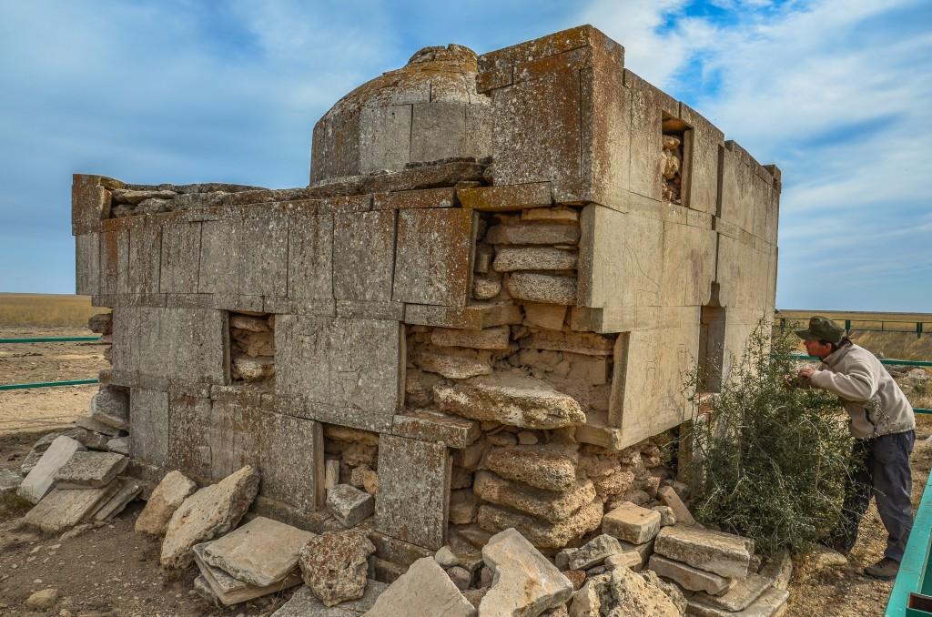 Grobowiec w stepie Mangystau