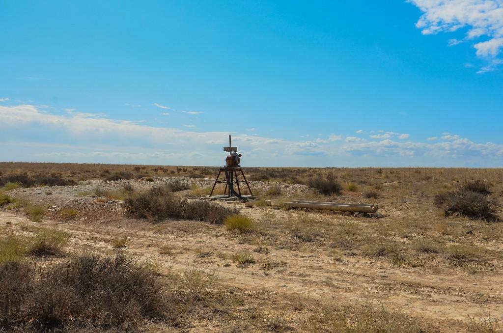 Studnia glebinowa w stepie Kazachstan