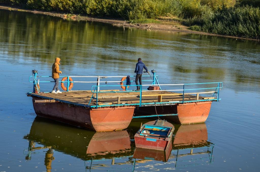 prom na rzece Ural