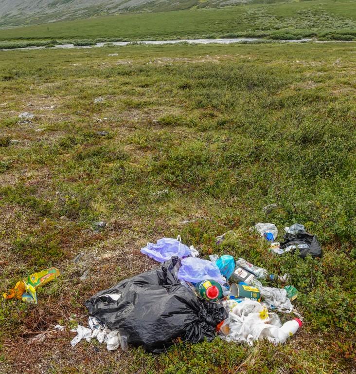 śmieci w górach Uralu