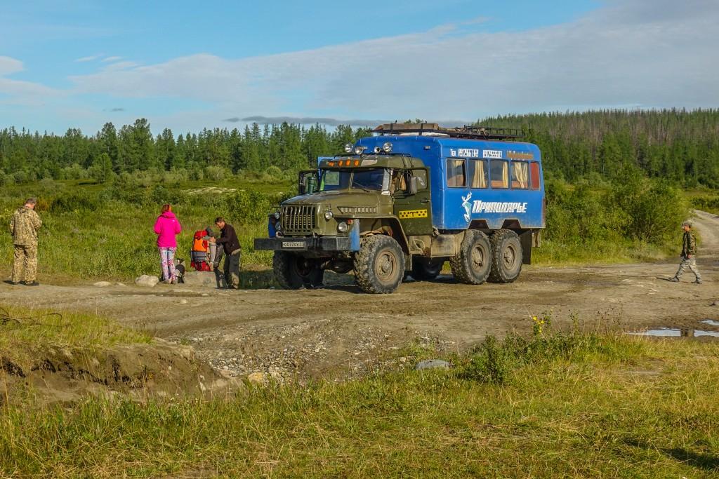 Ciężarówka Ural w górach Ural Subpolarny
