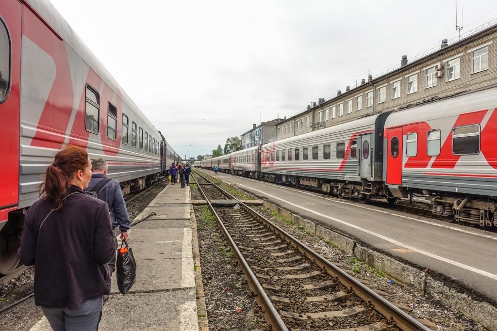 Pociągi na stacji w rosji