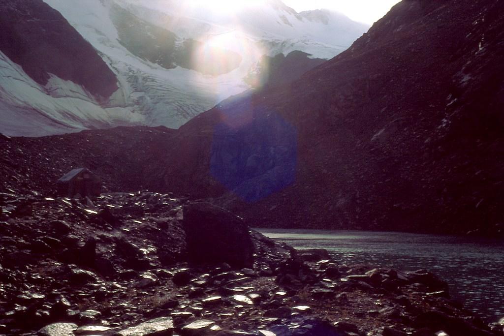 Chatka glacjologów Aktru