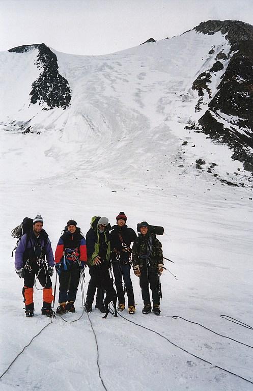 Zejscie ze szczytu Aktru. Góry Północnoczujskie