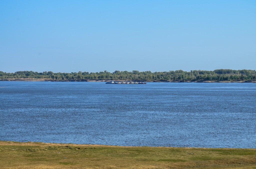 Barka na rzece Wołga