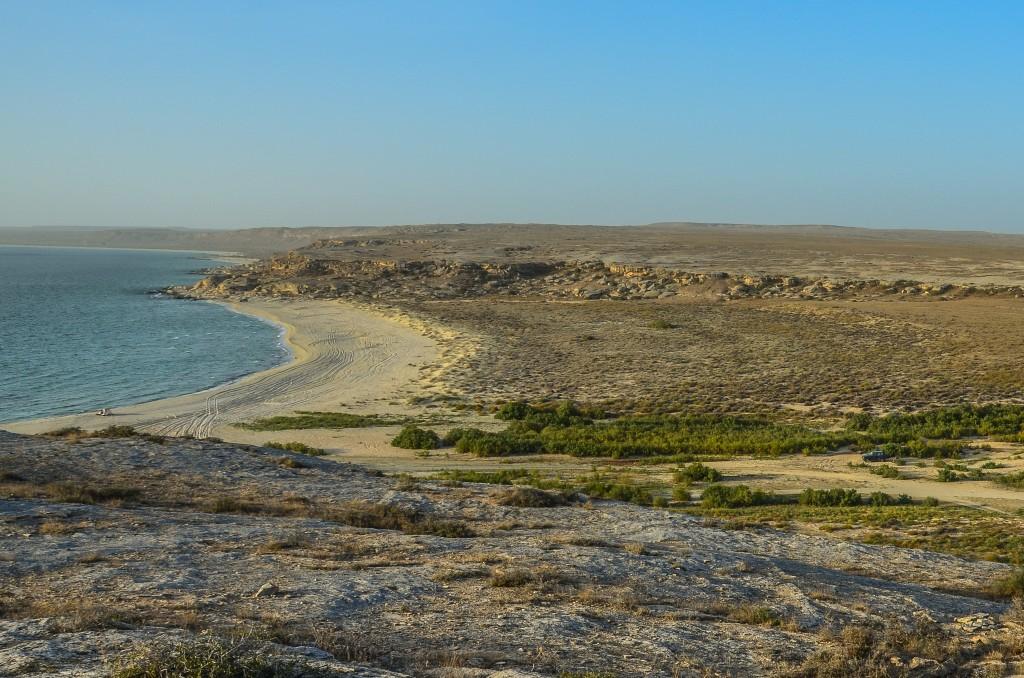 Błękitna Zatoka. Plaża nad morzem Kaspijskim