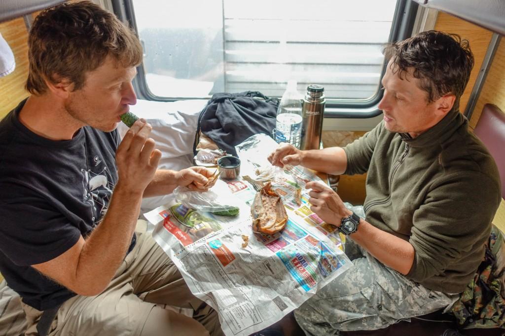 wędzona ryba w pociągu rosyjskim