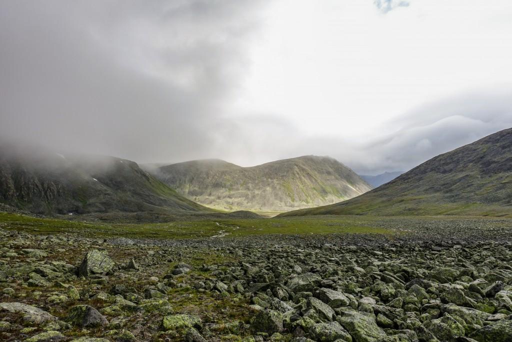 dolina Balbanju pod górą Narodnaja. Ural Subpolarny
