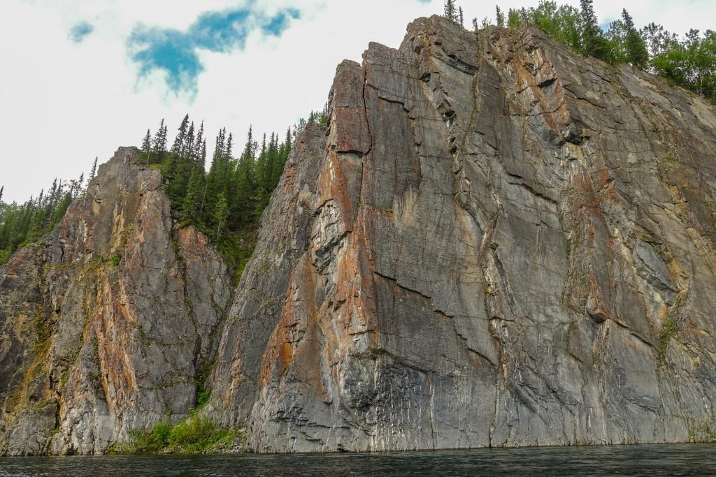 Brzegi rzeki Ural Subpolarny